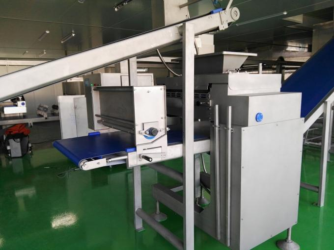 Industrial Bread Maker Machine , Bread Making Equipment With Feeding Solution
